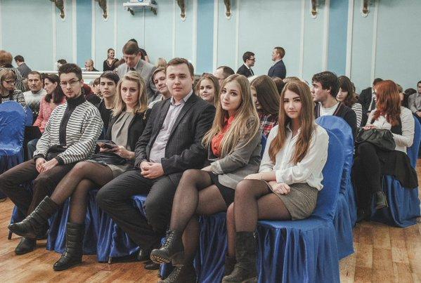"""""""Молодогвардейцы"""" с Волковым в центре, Фото @molprav33"""